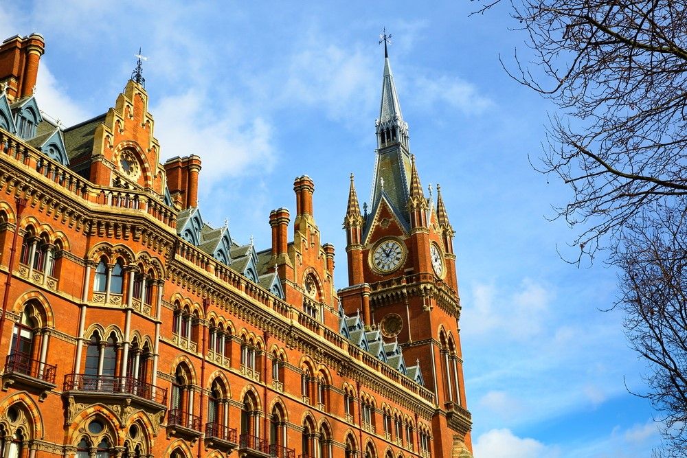 St Pancras clow tocker Aibnb in London