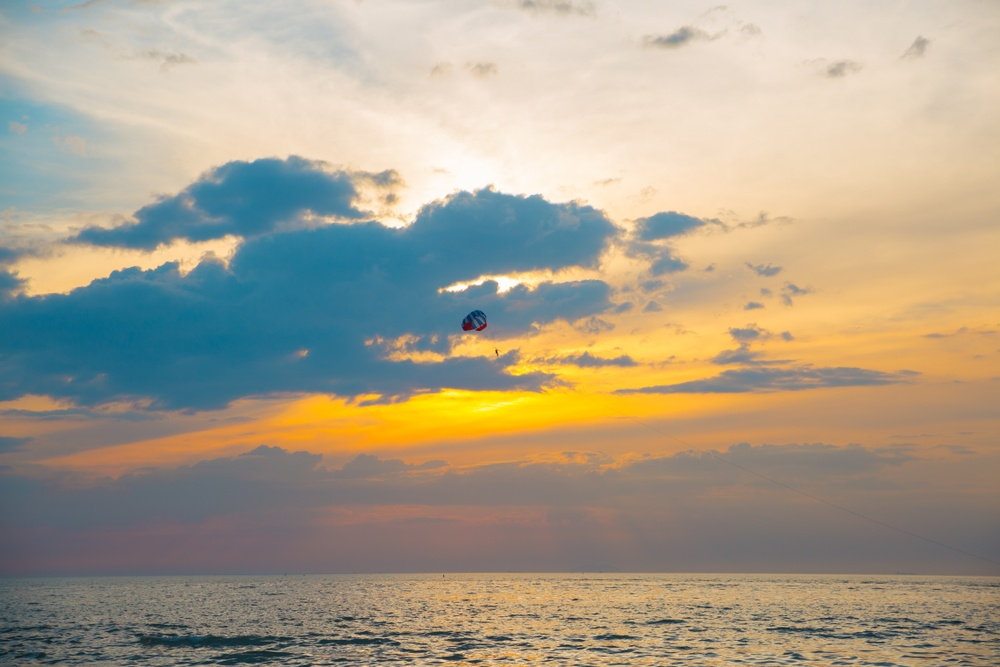 skydiving in thailand pattaya with the sunset