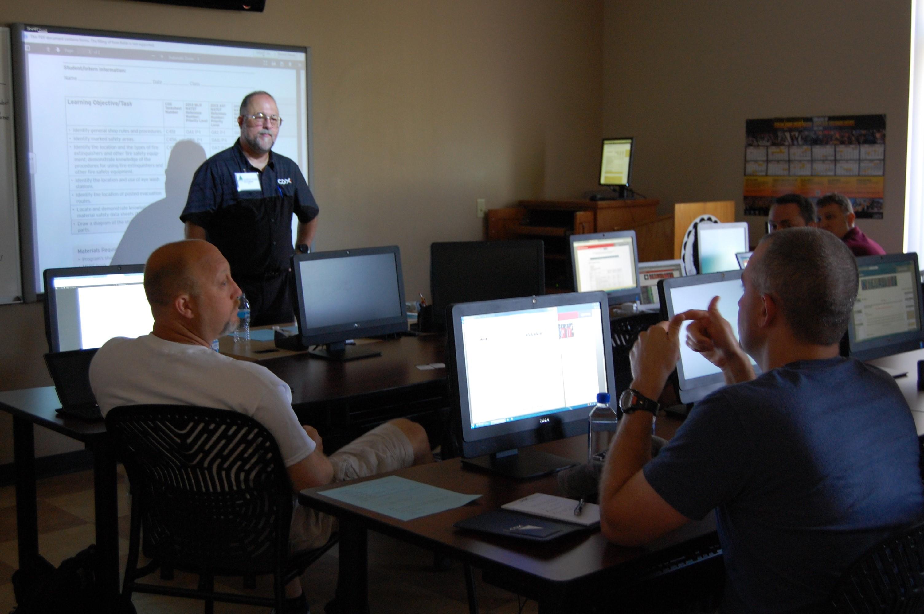 instructor-development-in-classroom