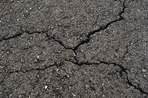 Unfilled cracks