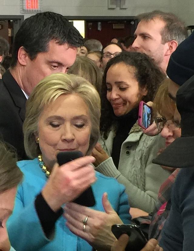 Hillary Clinton's Social Media Sharing Secret Weapon
