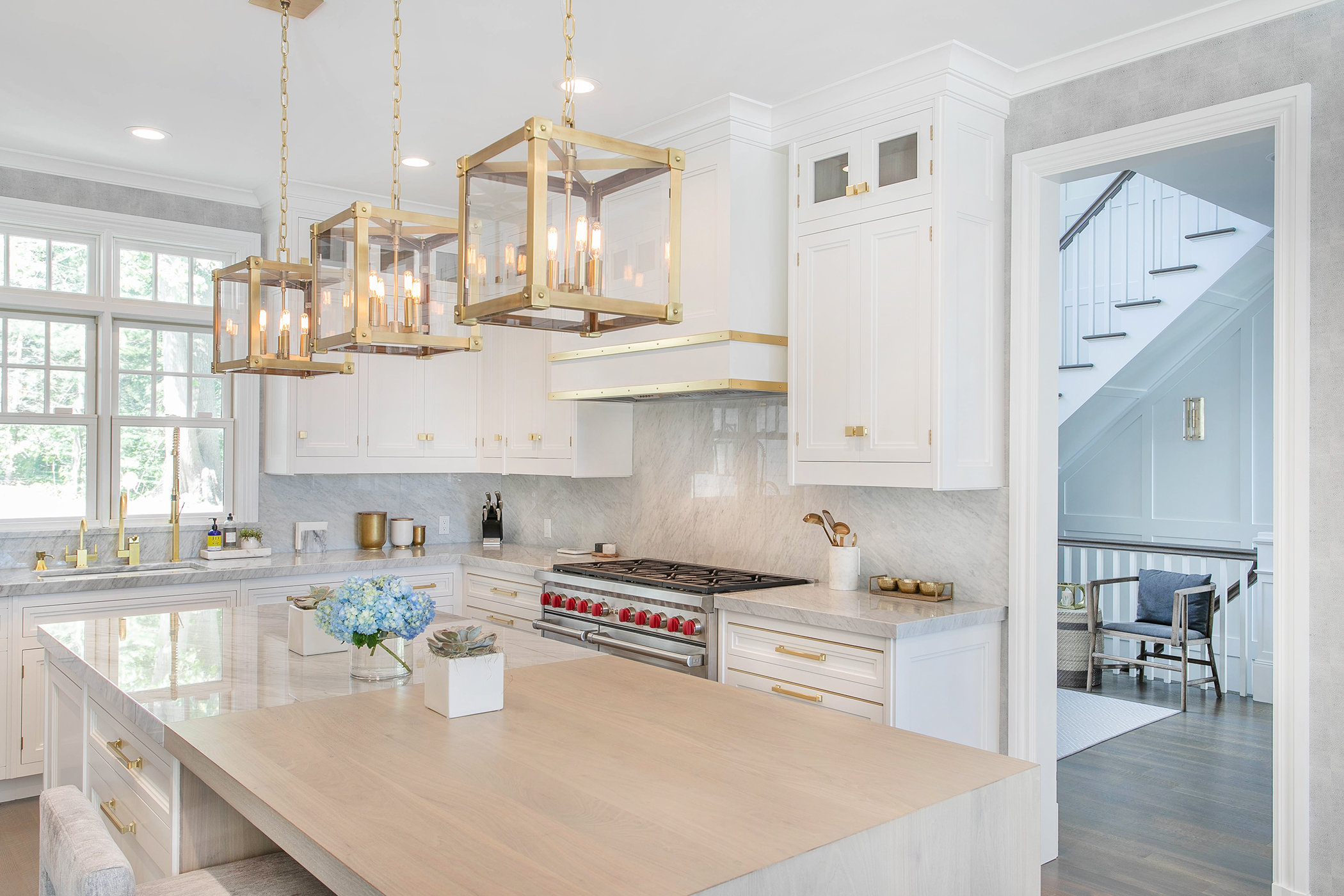 The Enduring Appeal of Classic White Kitchens
