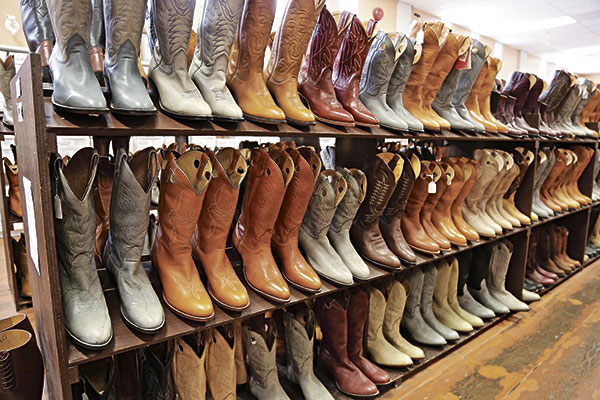 Experienced Western Wear Retailer Masters FBA With Automation