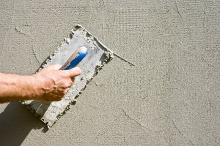 stucco painted walls how serious is a stucco crack