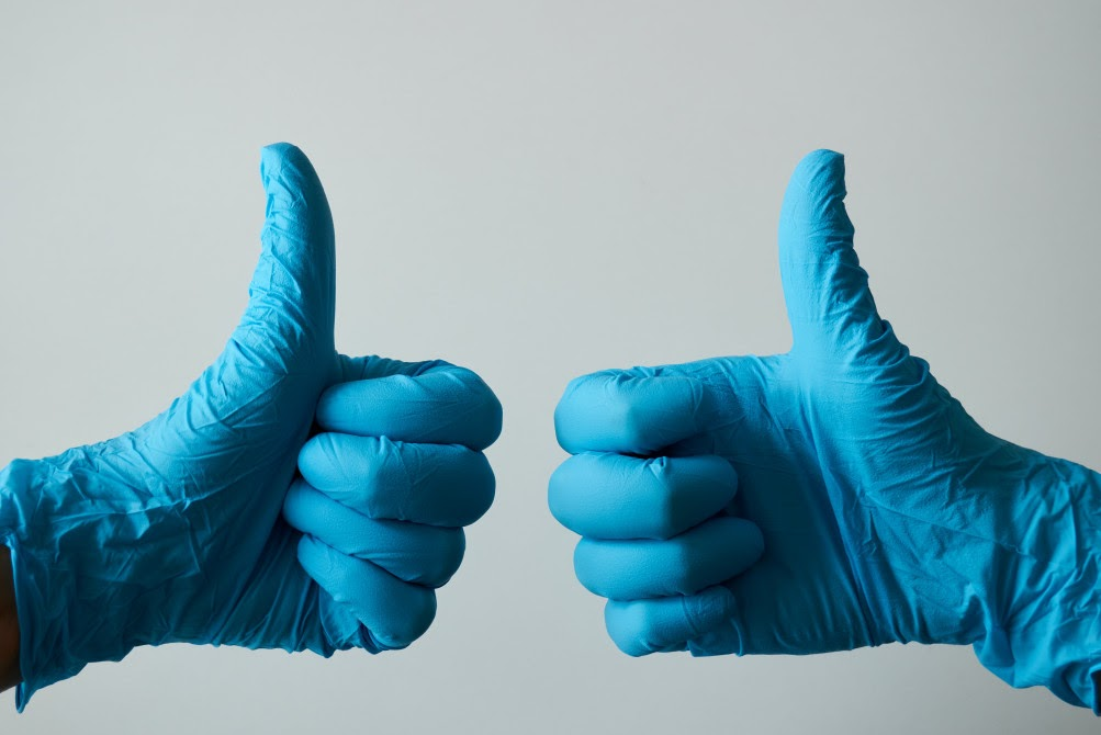 gloved thumbs up for business vpn
