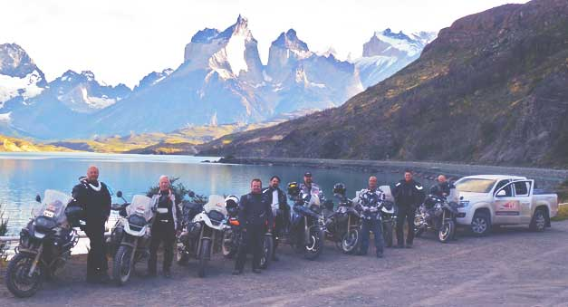 Group_motorcycle_trip_Chile