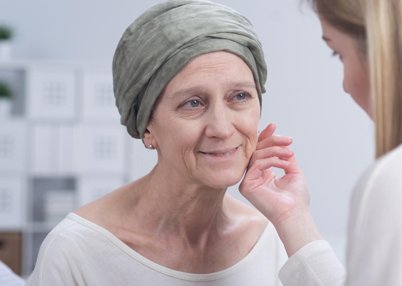 Cómo cuidar a un enfermo de cáncer en casa