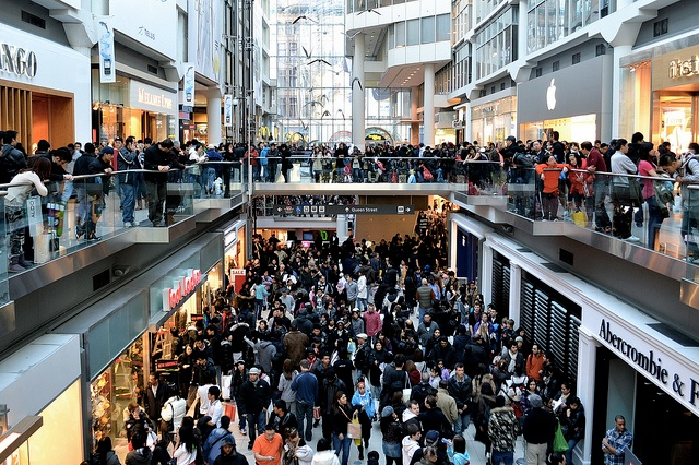crowded_mall.jpg