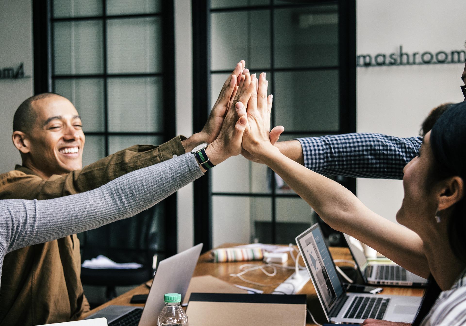 10-corporate-team-building-training-case-studies-1