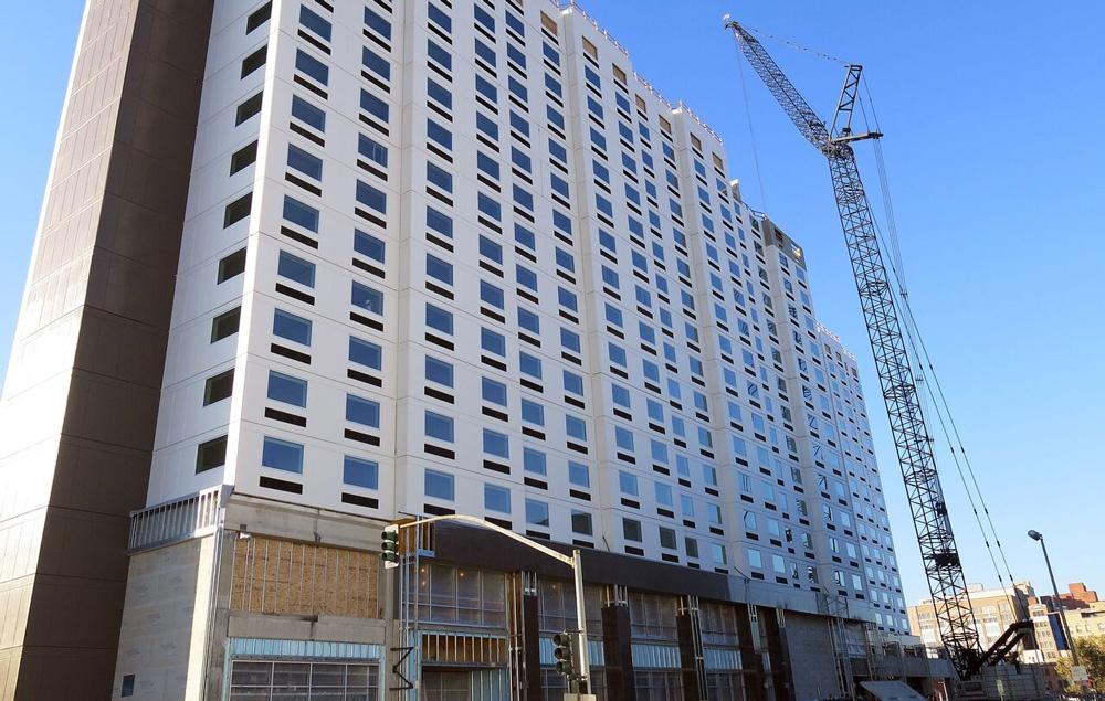 B_Davenport-Grand-Hotel-web.jpg);