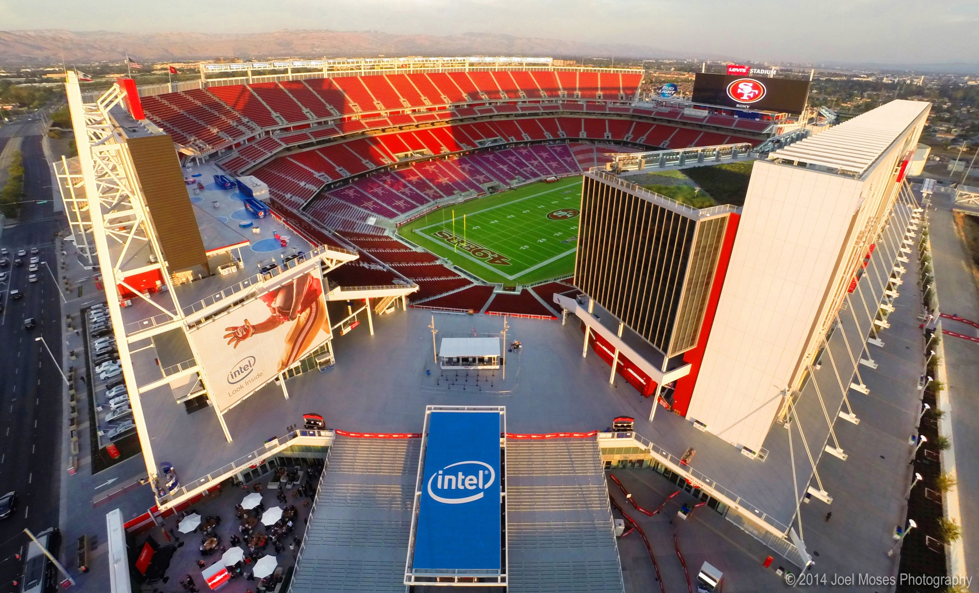 San Francisco 49ers Levi Stadium Joel Moses.jpg);