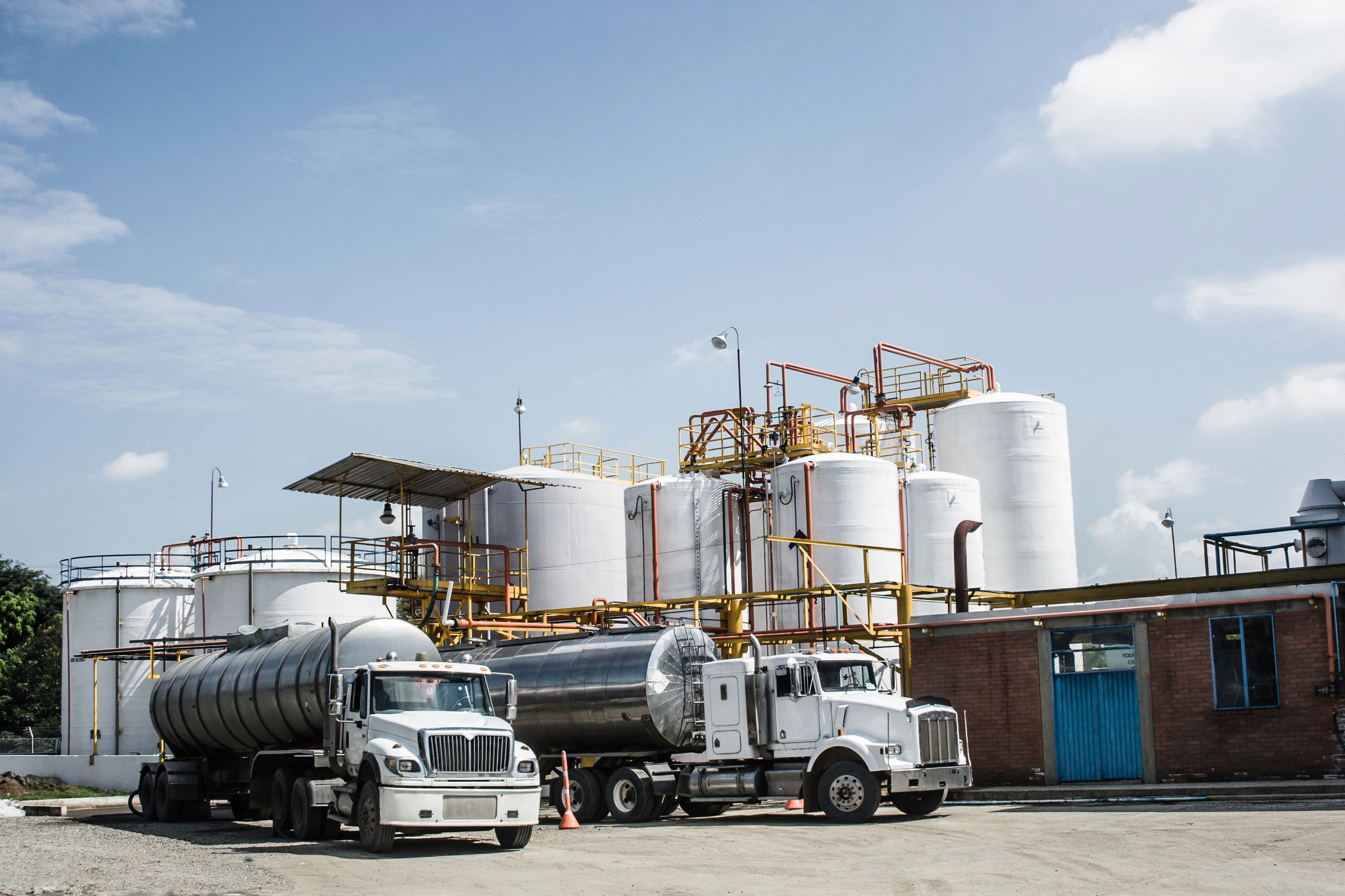 Top 3 Tank Truck Safety Hazards: Do You Know The Risks