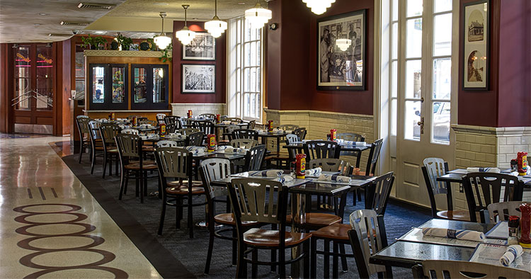 Deanie's-Seafood-Restaurant-French-Quarter-New-Orleans
