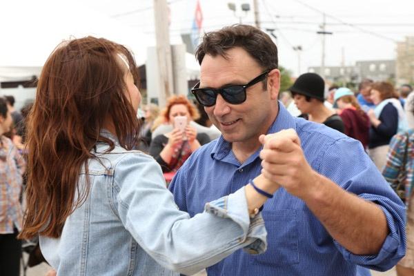 Dancing-Pinchapalooza-outdoor-festival