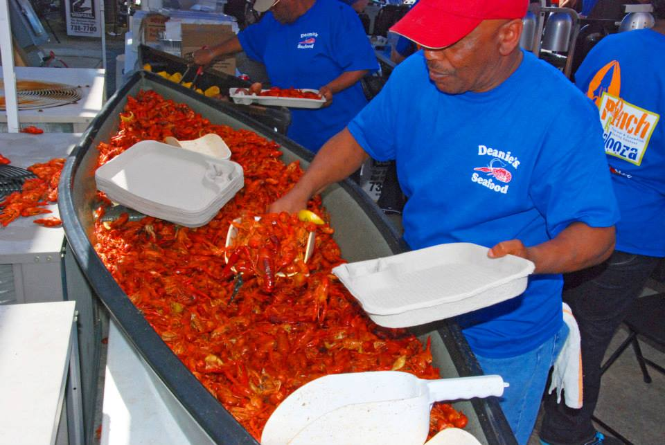 Crawfish_Boil_Deanies_Seafood_New_Orleans_Bucktown_Louisiana