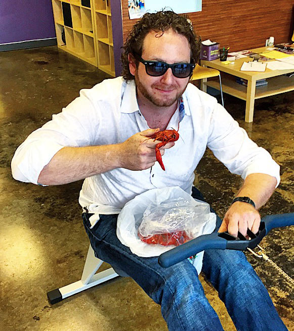 Luke_Smith_Crawfish_Eating_Contest_foodie_nola_Deanies_Pinch_A_Palooza_Festival_New_orleans