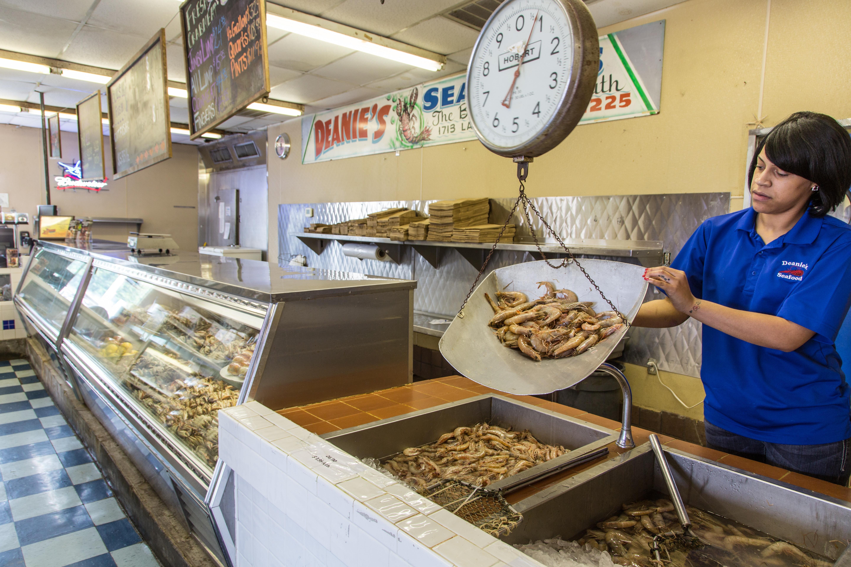 Deanies Seafood Summer Seafood Market New Orleans Bucktown Metairie Fresh Gulf