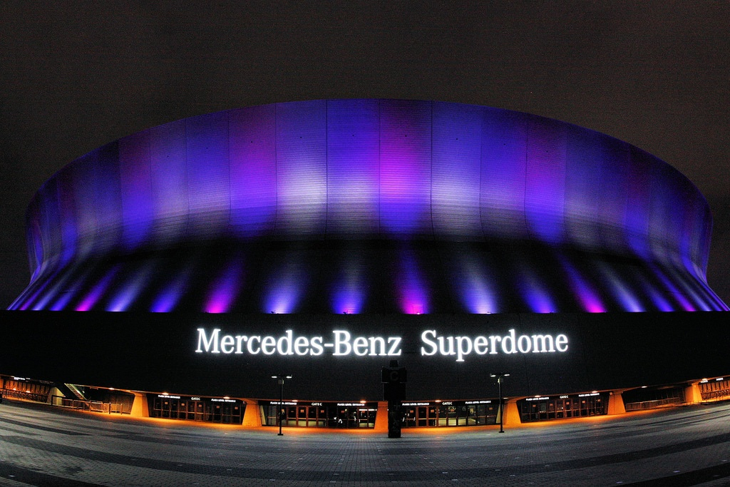 Superdome_near_and_dear_to_New_Orleans_Deanies_Seafood_Restaurant.jpg
