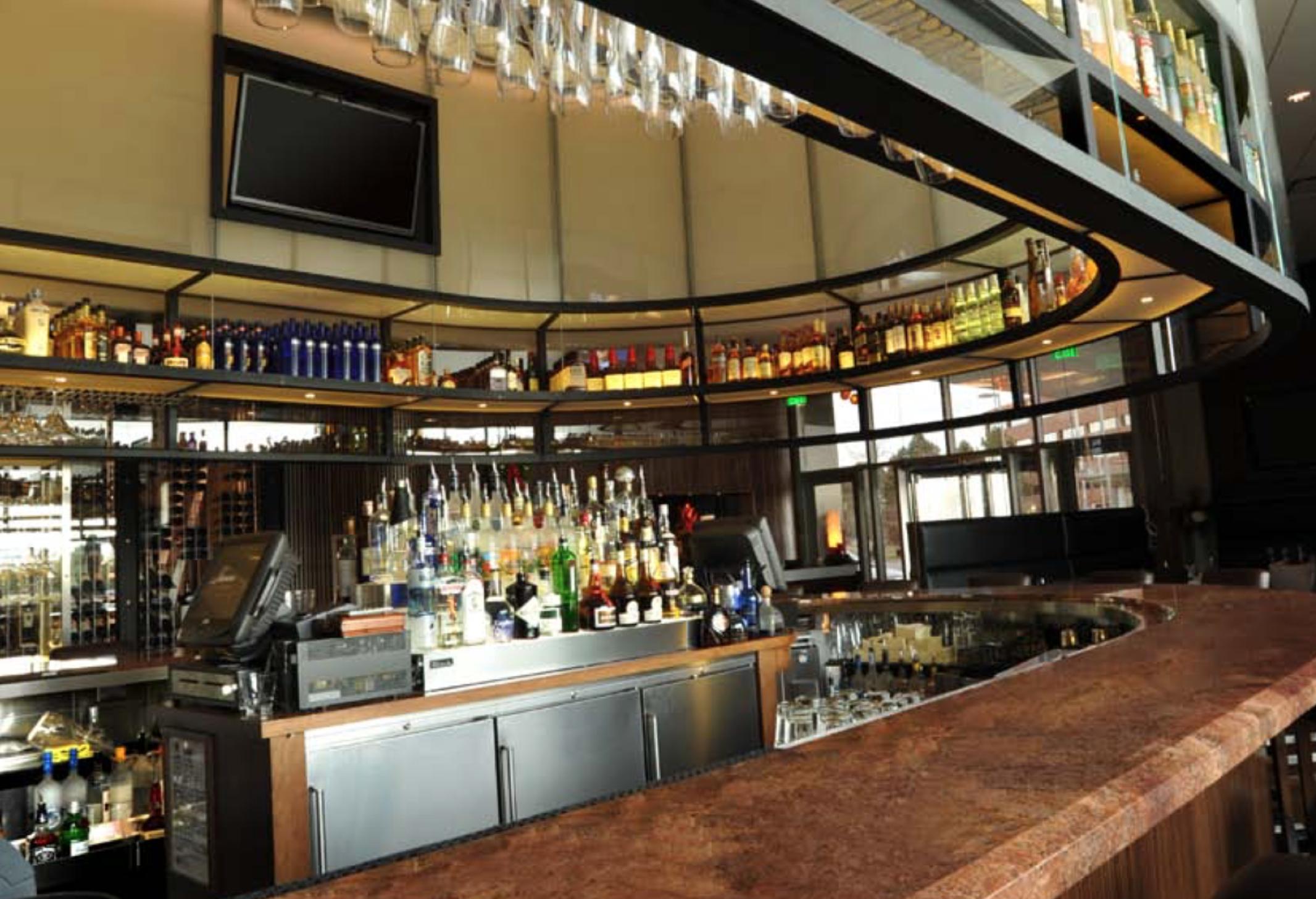 Why Bar And Restaurant Designers Choose Perlick Back Bar