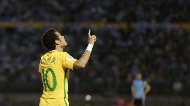 neymar-foi-o-terceiro-jogador-de-futebol-mais-bem-pago-em-20162017.png