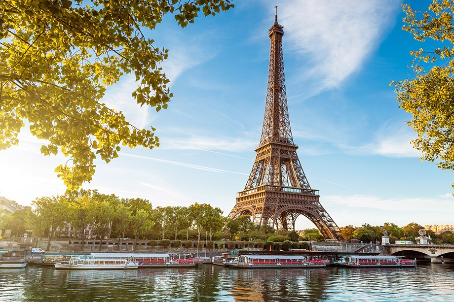 UK expats living in Paris France