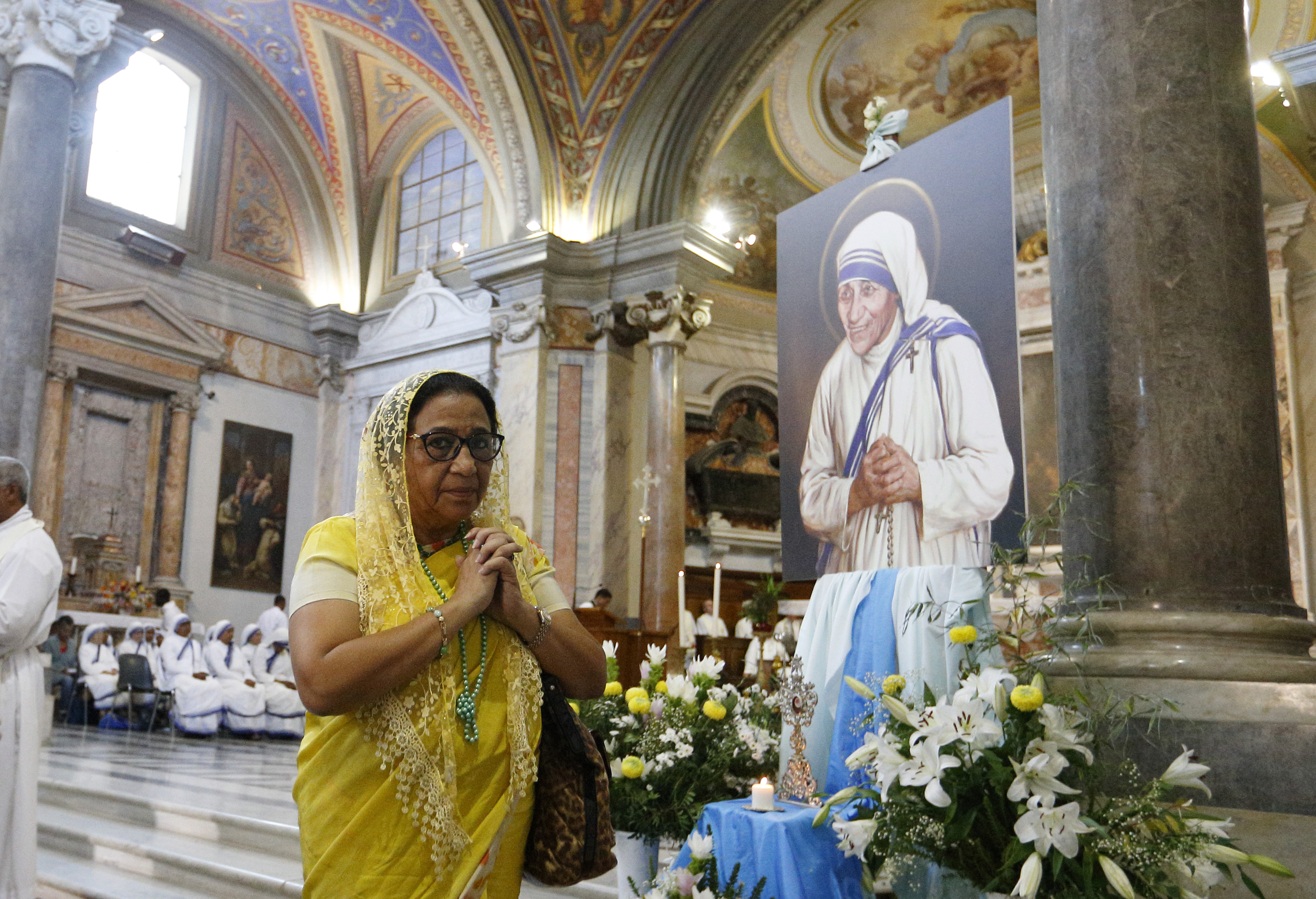 Mother Teresa: From Holy Life to Eternal Life