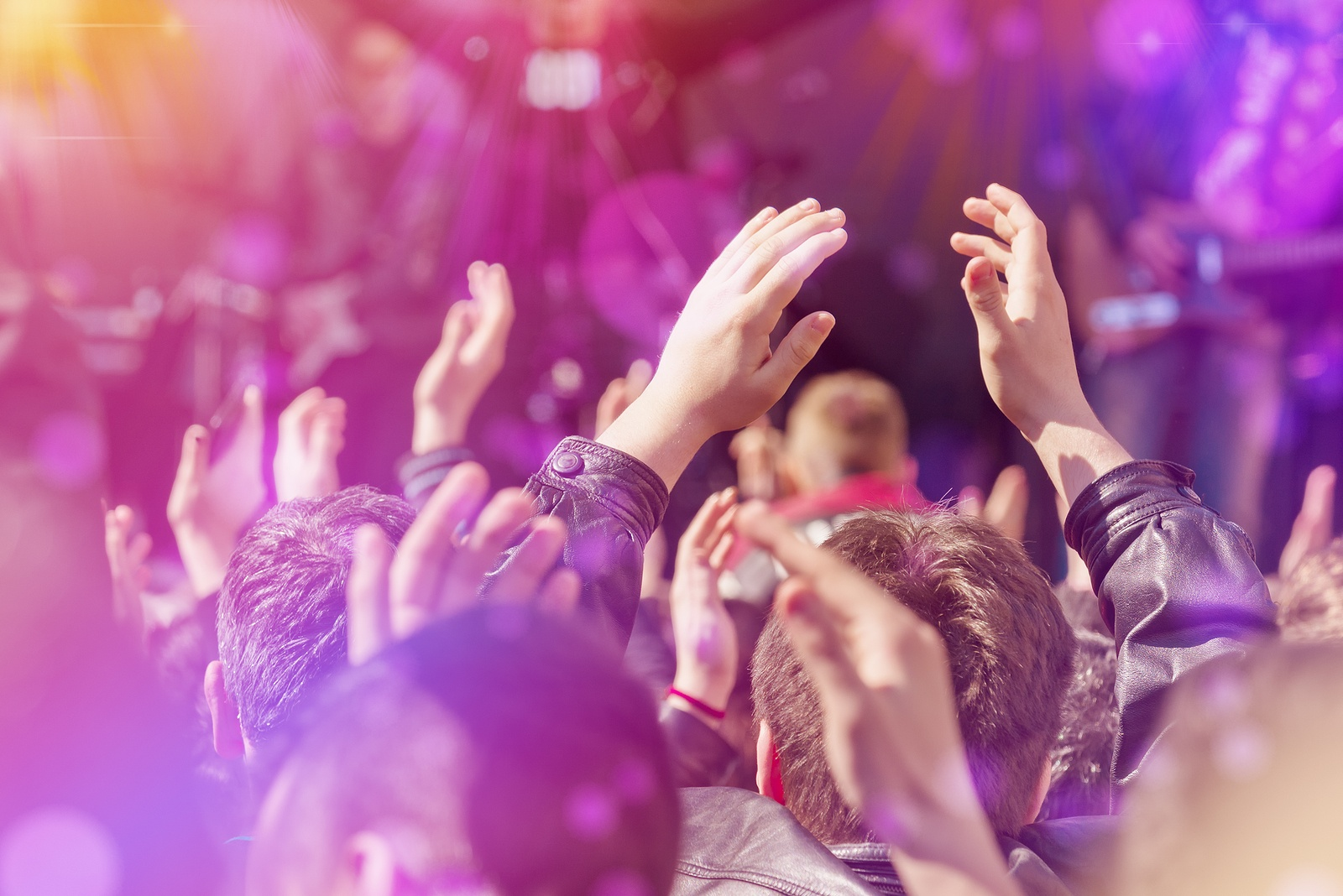 How to Crowdsource Your Blog Content: Tips for Finding and Collaborating with Your Crowd