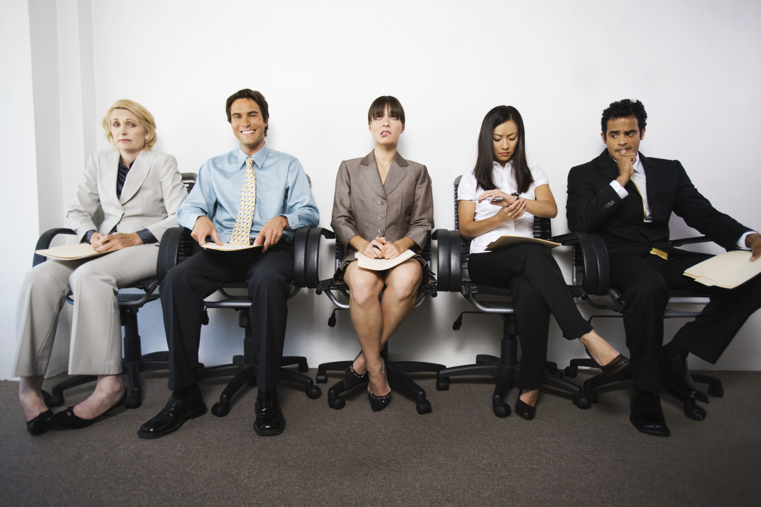 ways to get noticed by executive headhunters