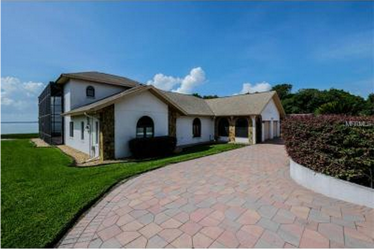 5 gorgeous lakefront homes for sale in leesburg fl