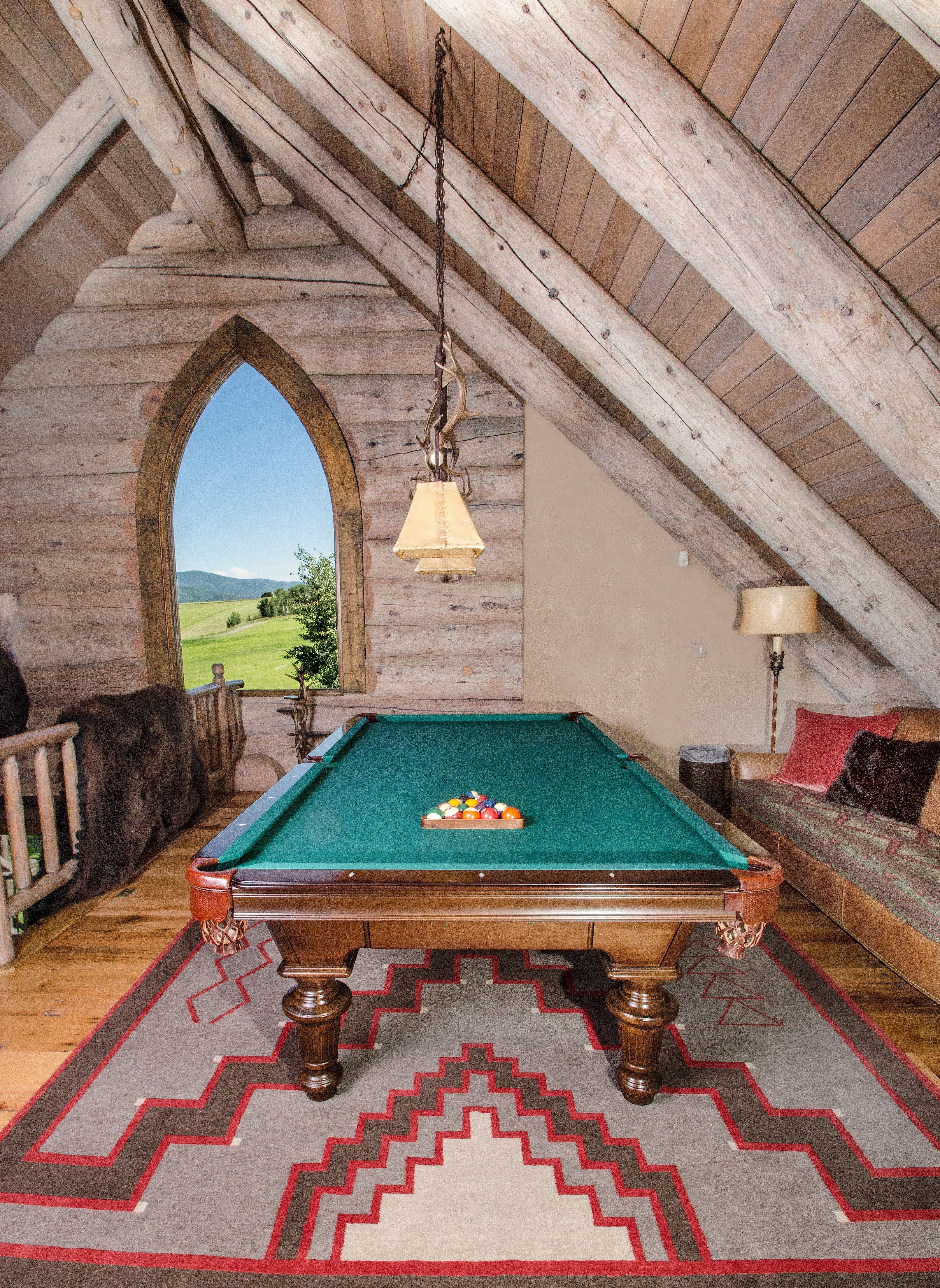 Into The West Revamps Luxurious Log Cabin