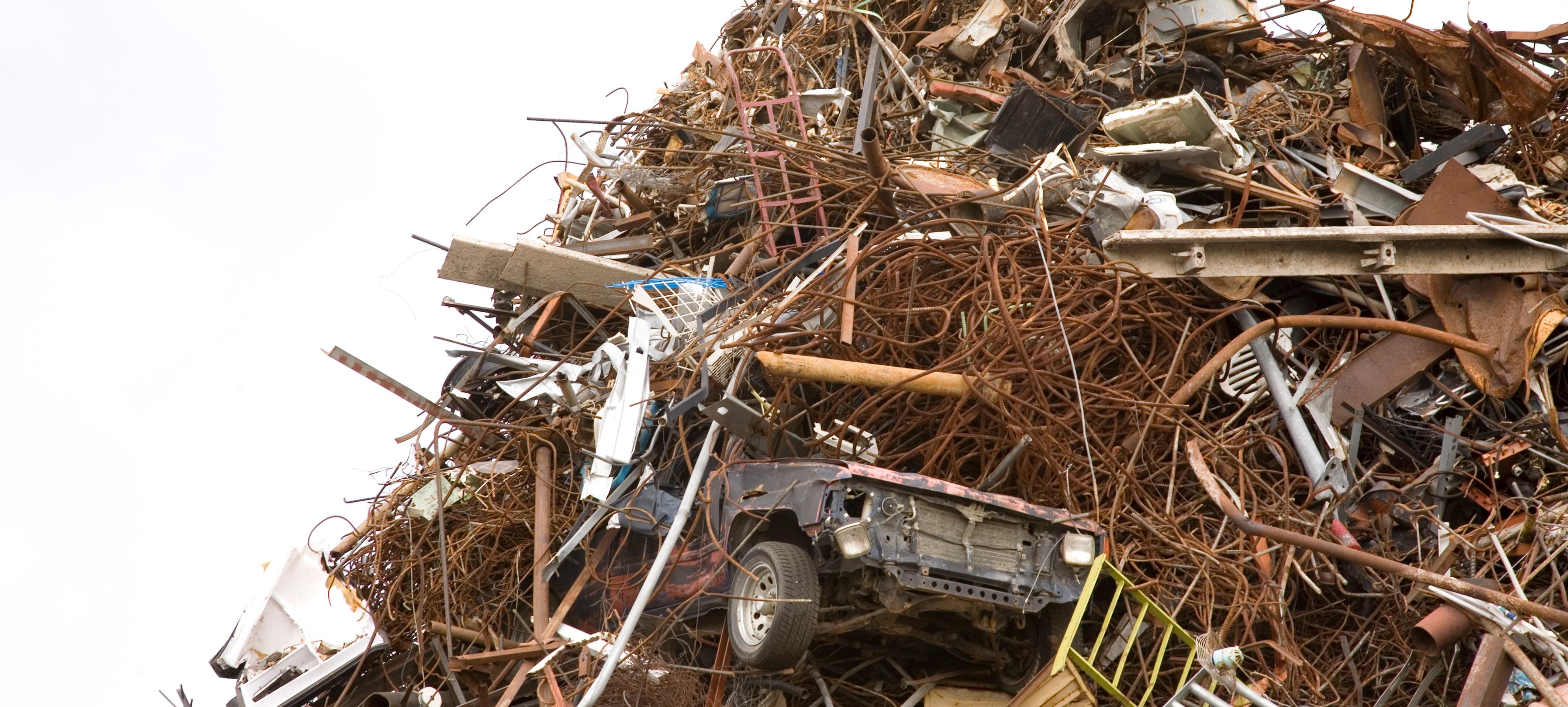 iStock-173926237_metal stock pile