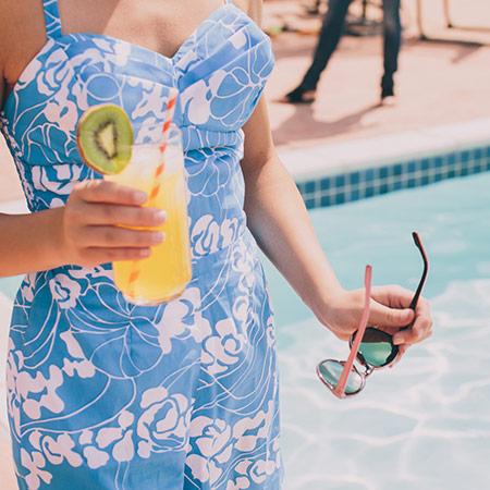entertaining_picnic-poolside