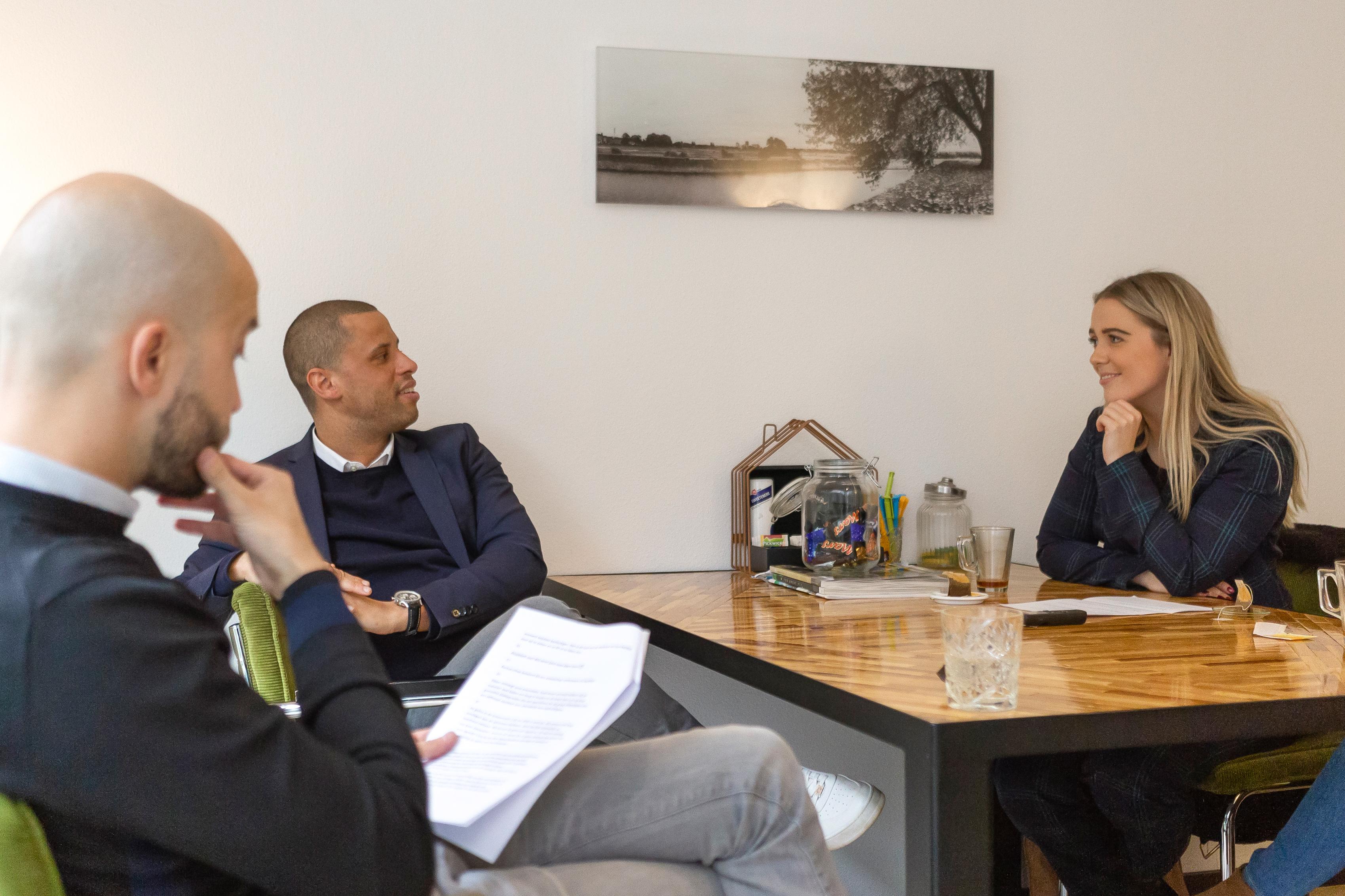 Aan tafel met Julian en Dennis, VDH Wonen