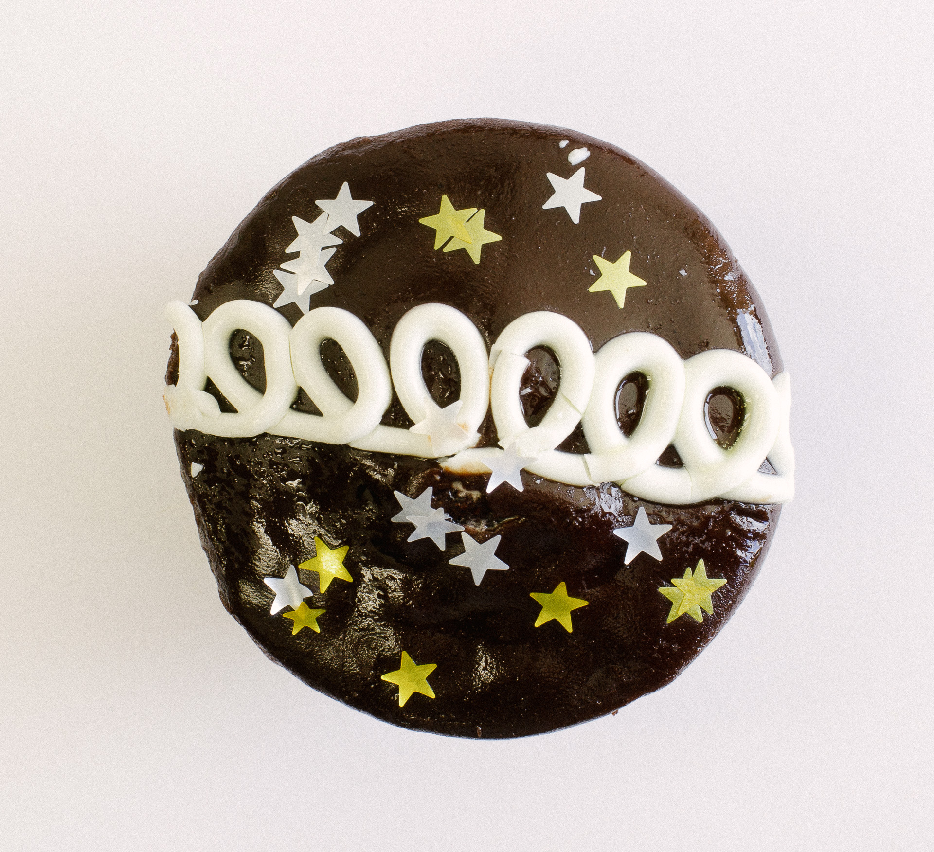 Silver and Gold stars on a Cupcake top
