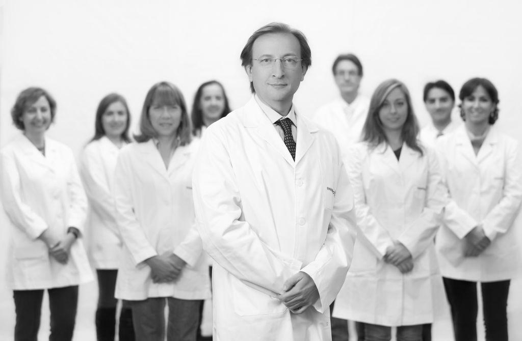 Prof. Carlos Simón e principais membros de sua equipe científica
