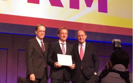 Dr. Carlos Simón recebe o ASRM Distinguished Researcher Award
