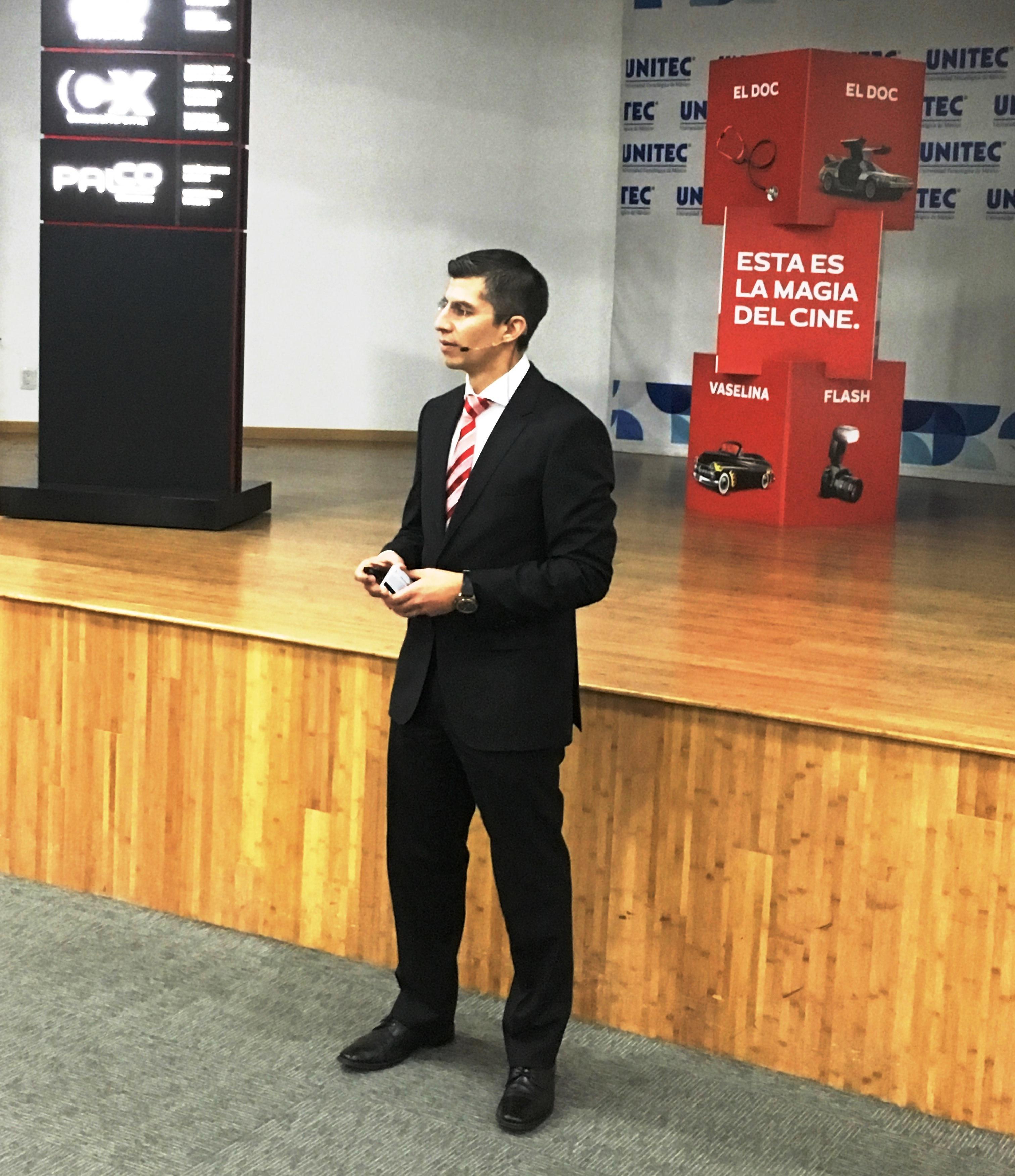 Egresado UNITEC habla del futuro de la industria del cine en Campus Sur