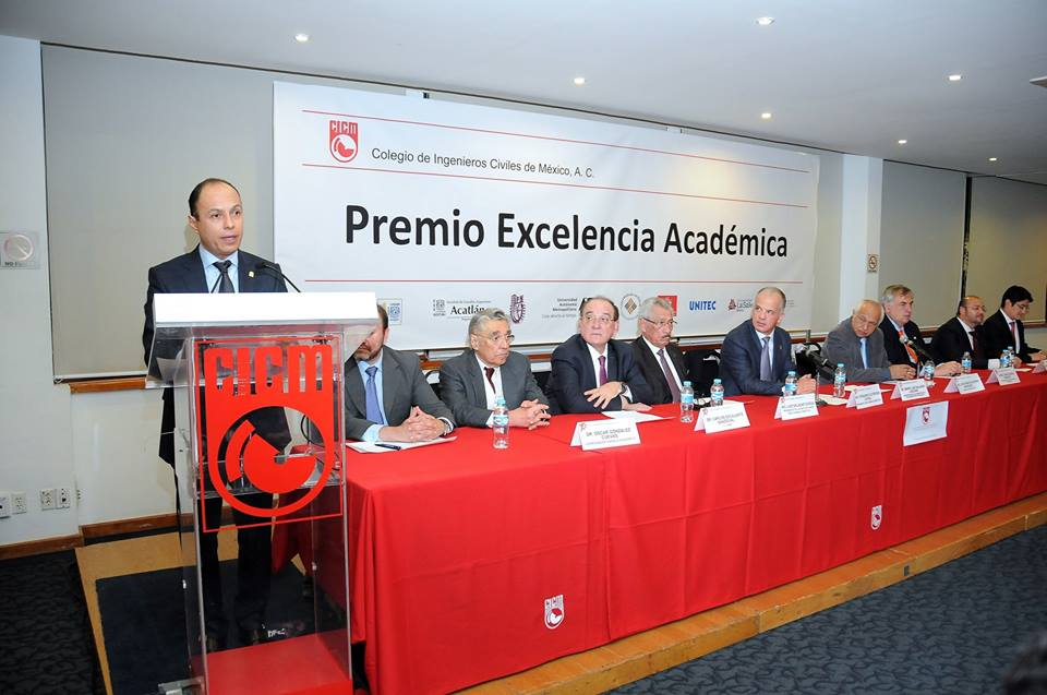 Alumnos UNITEC galardonados con el Premio a la Excelencia Académica