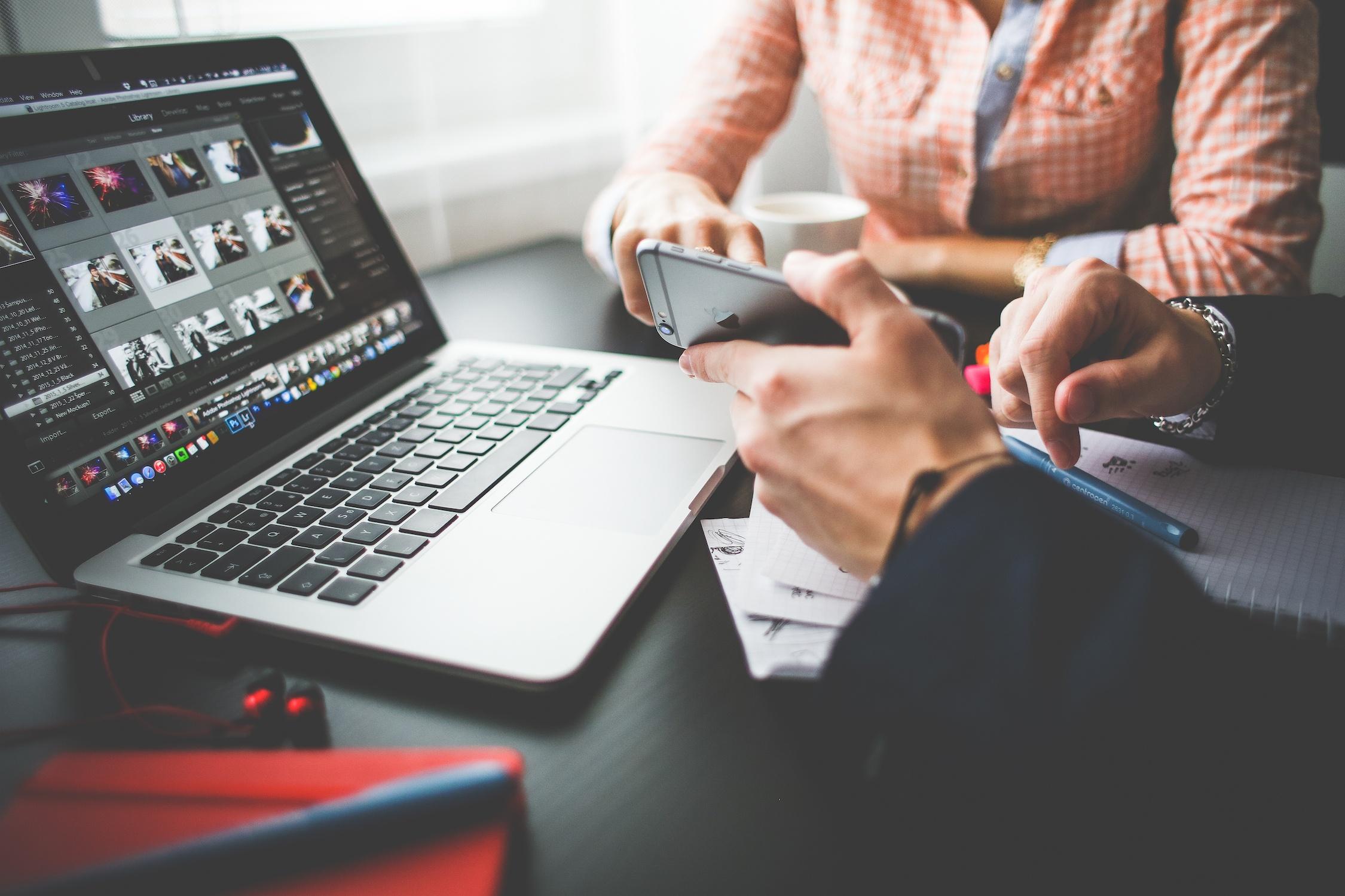 10 errores en redes sociales que pueden costarte tu trabajo