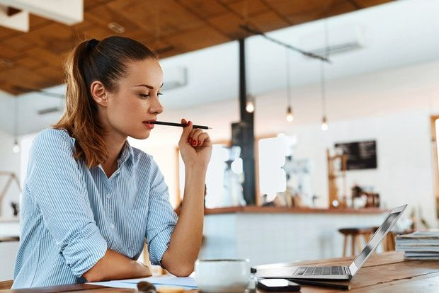 Evita el estrés mientras estudias y trabajas