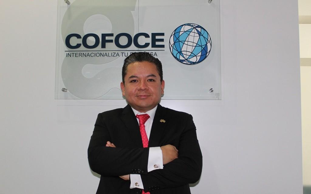 Reconocen a egresado de Derecho de la UNITEC, en el Día del Abogado