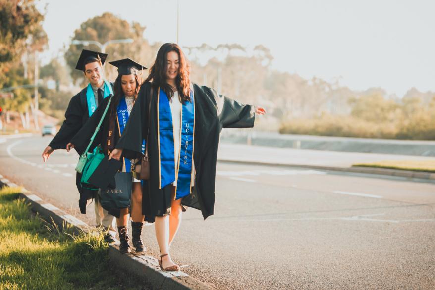 ¿Papelito habla? 4 ventajas de tener un título universitario