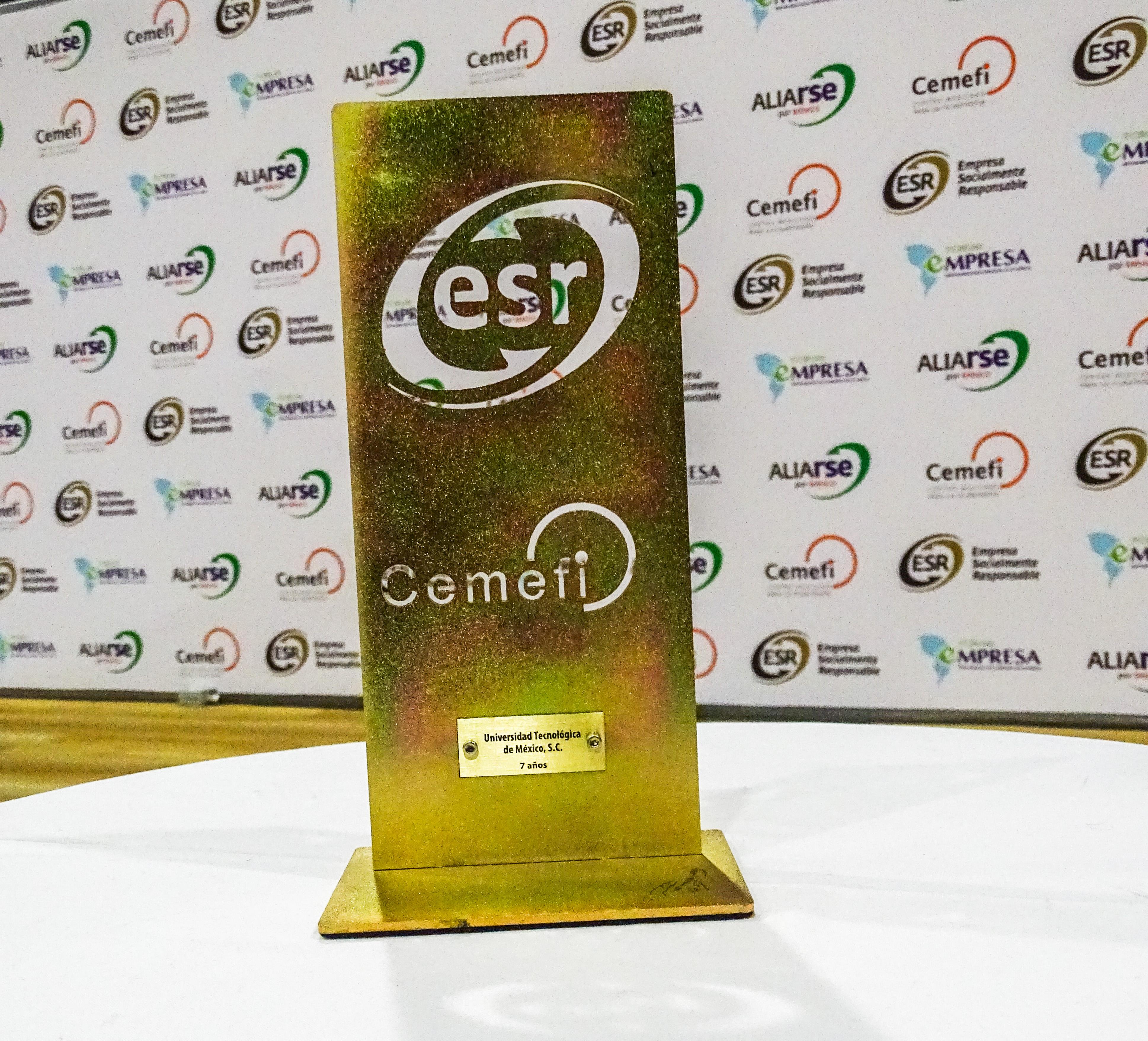La UNITEC cumple 7 años consecutivos como ESR