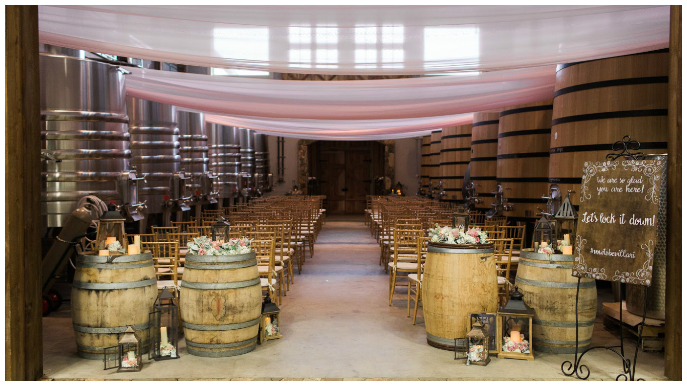 Romantic Winery: Summer Wedding Event Decor | BBJ Linen