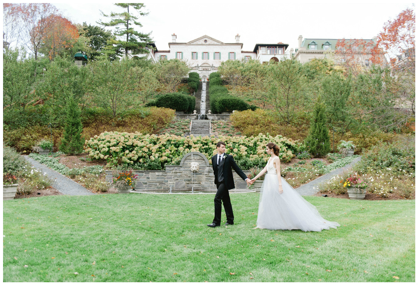 Bride and Groom Italian Villa Wedding | BBJ Linen