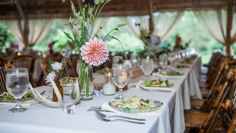02_Rustic_Wedding_Table_Decor.png