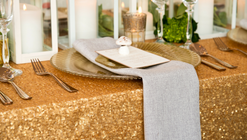 07_Gold_Glitter_Table_Linen.png