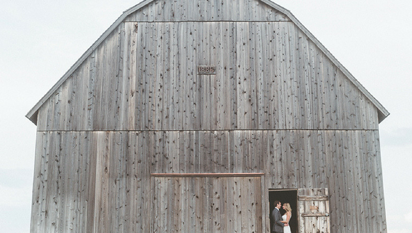Outdoor Barn Wedding | BBJ Linen