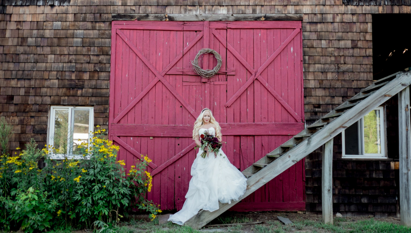 06-rustic-wedding-venue.png