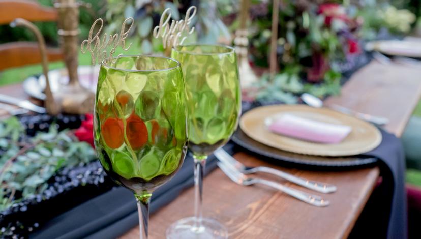 08-green-wedding-glasses.png